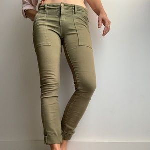 Current/Elliot stretch army green skinny pant